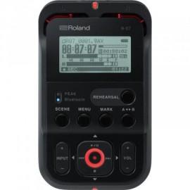 Roland R-07 HR Audio Recorder -